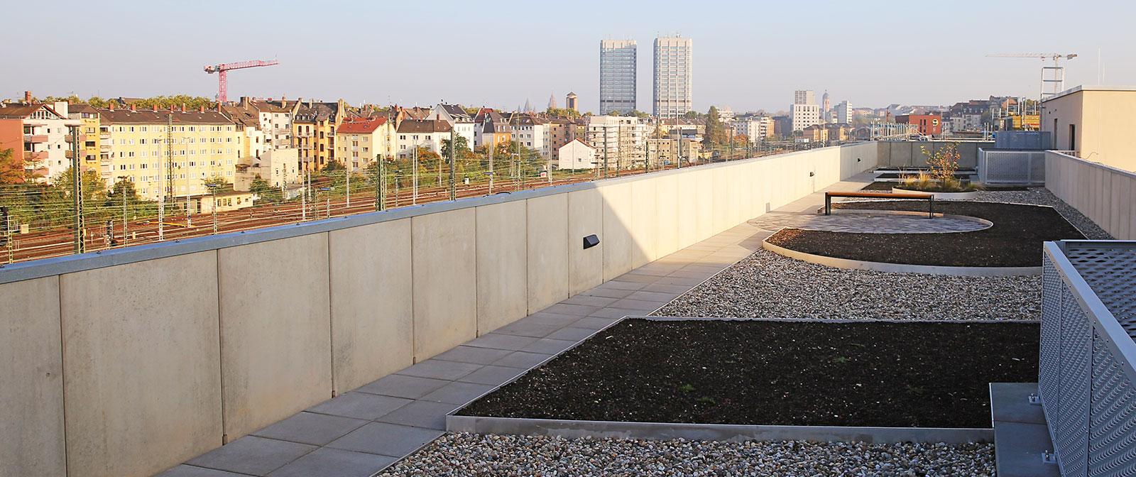09_Dachterrasse-1_1600x672px